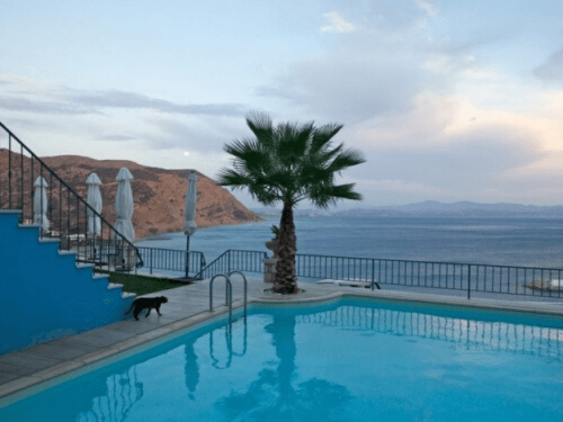 Pool des Hotels bei Kreta Reise