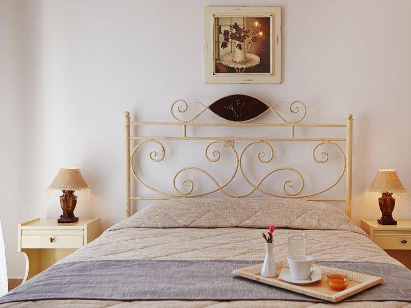 Komfort-Hotelzimmer beim Kykladen Inselhopping